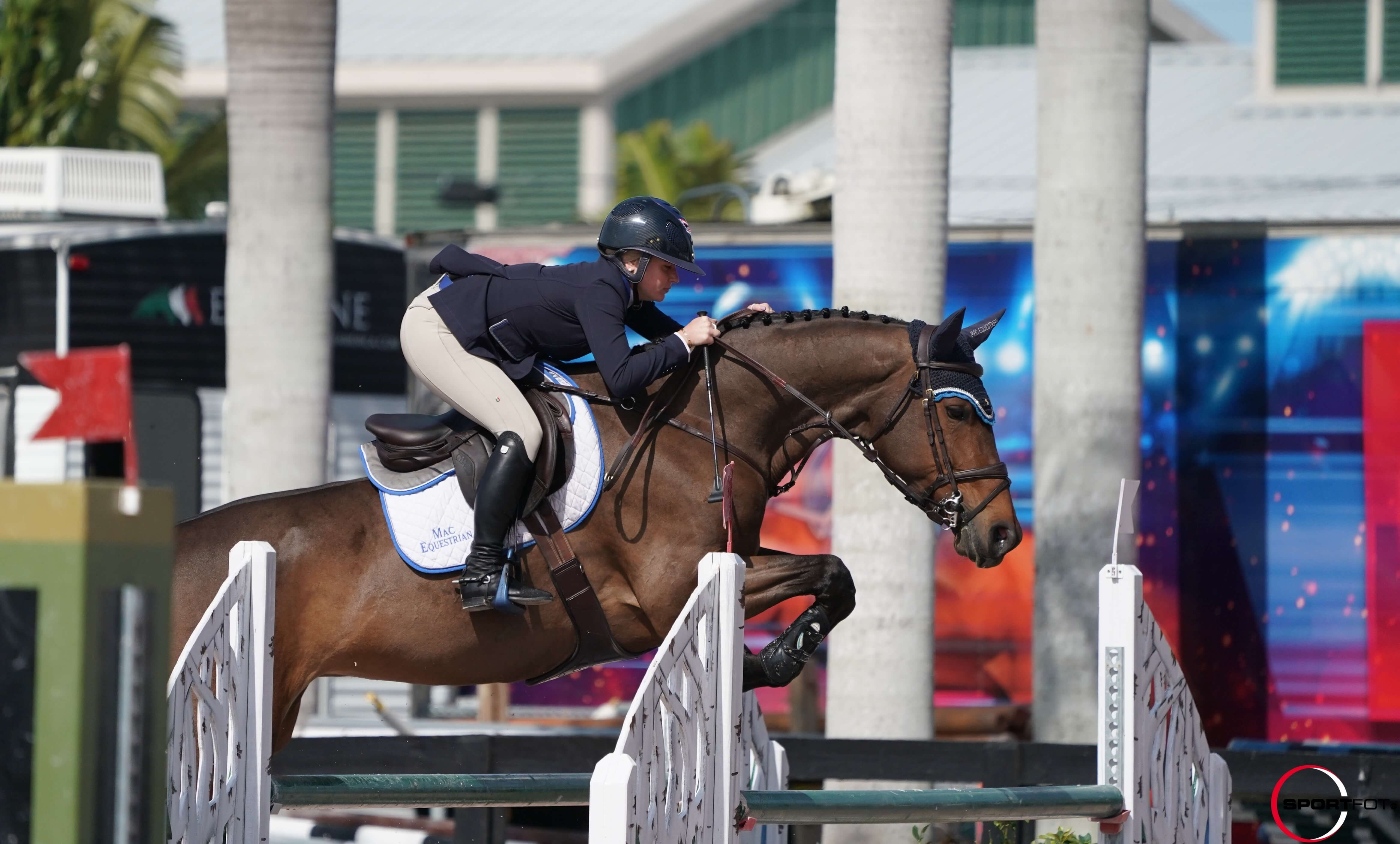 LA BELLE doing well at WEF!